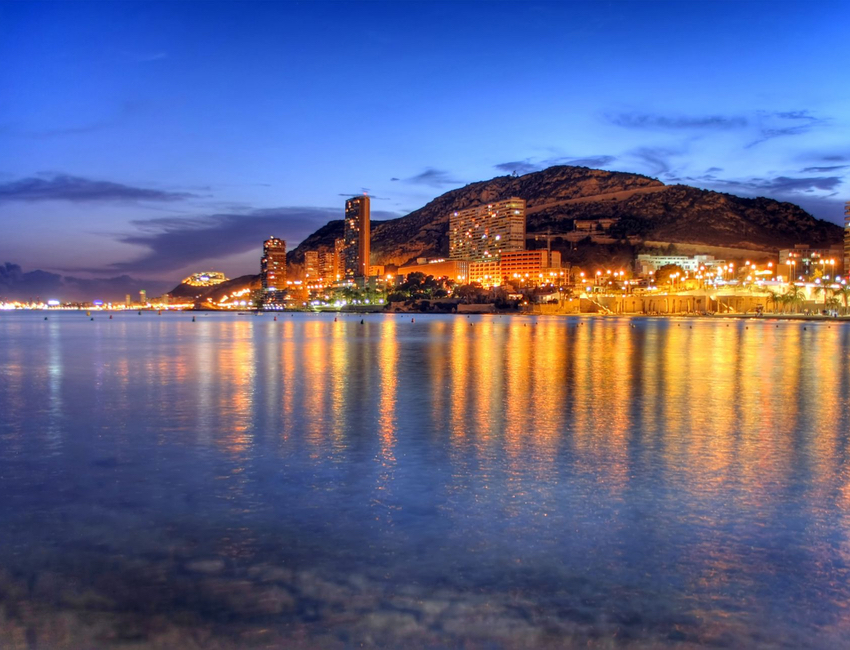 Night views of Alicante